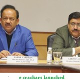 The Union Minister for Science & Technology, Earth Sciences and Environment, Forest & Climate Change, Dr. Harsh Vardhan addressing a meeting on non-polluting firecrackers, in New Delhi on January 05, 2018. The DG, CSIR, Dr. Girish Sahni is also seen.